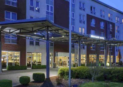 Mercure Hotel Kamen Unna Aussenansicht seitloch Abend