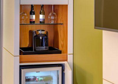 Mercure Hotel Kamen Unna Privilege Zimmer Kaffeemaschine und Minibar
